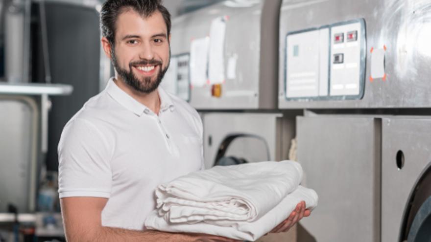 Ofertas de empleo en Las Palmas para 10 operarios de lavandería y 5 cocineros