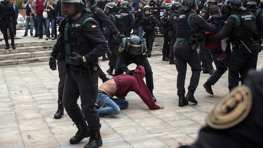 El jutjat envia a judici 27 policies nacionals i un guàrdia civil per les càrregues de l'1-O
