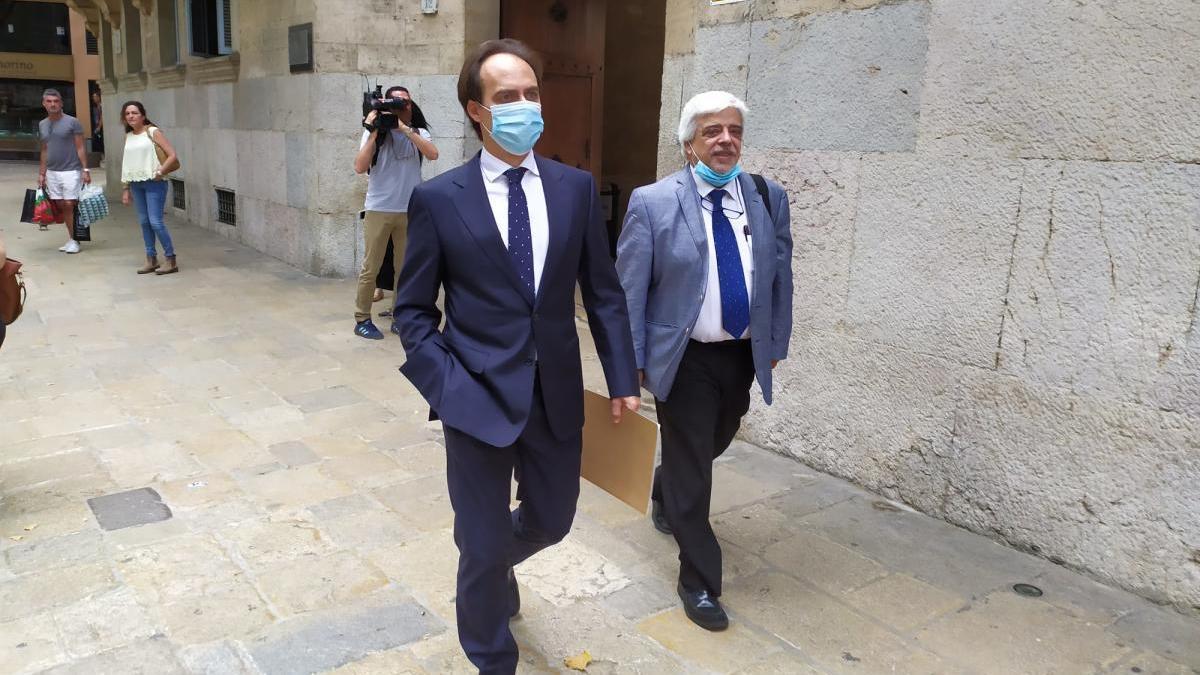 Álvaro Gijón llegando al TSJIB.