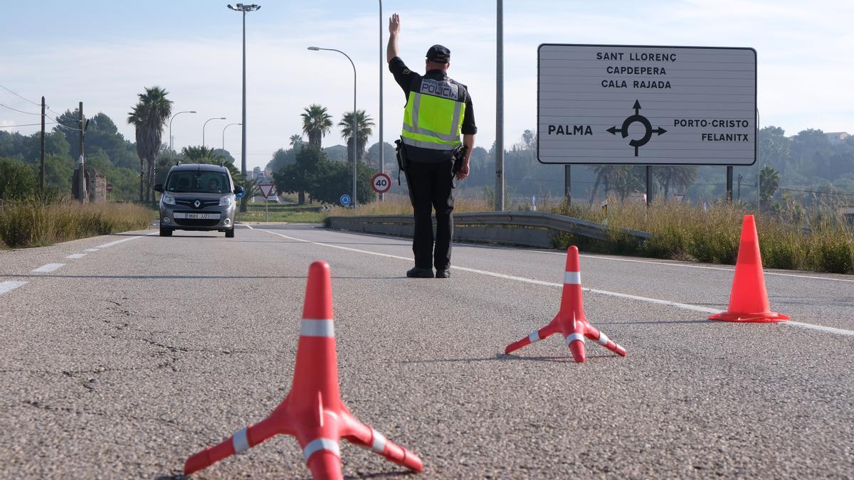 AMP.-Baleares levanta el confinamiento de Manacor y prorroga en Baleares el toque de queda