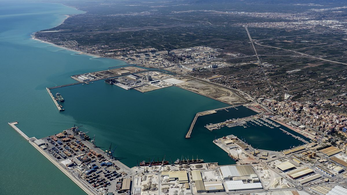 Imagen aérea de las instalaciones de PortCastelló, pendiente de la intermodal y el acceso ferroviario sur