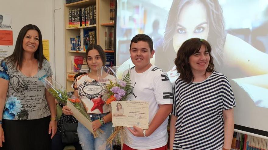 El IES Montserrat Roig de Elche entrega sus premios de periodismo 'Mónica Carrillo'