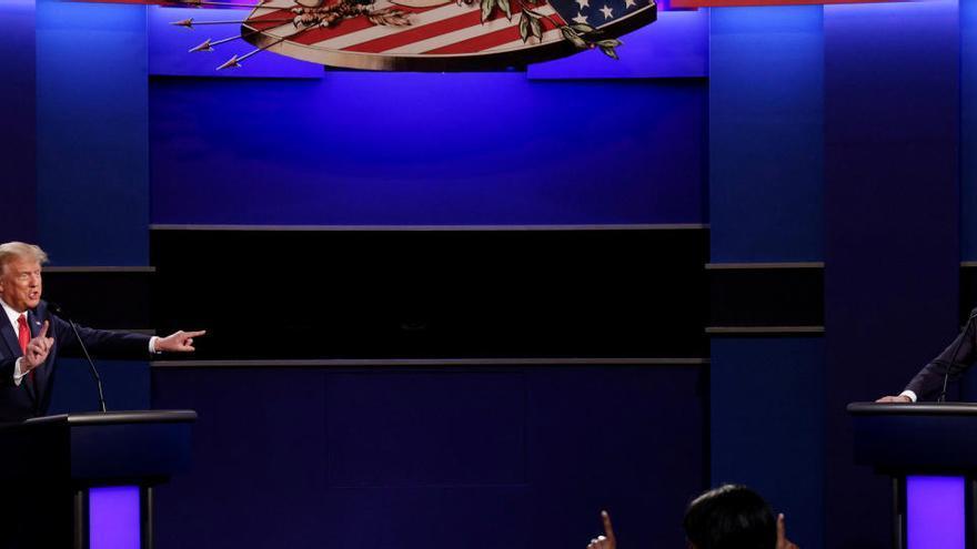 Trump i Biden xoquen per la pandèmia, el racisme i la corrupció en un últim debat electoral més civilitzat