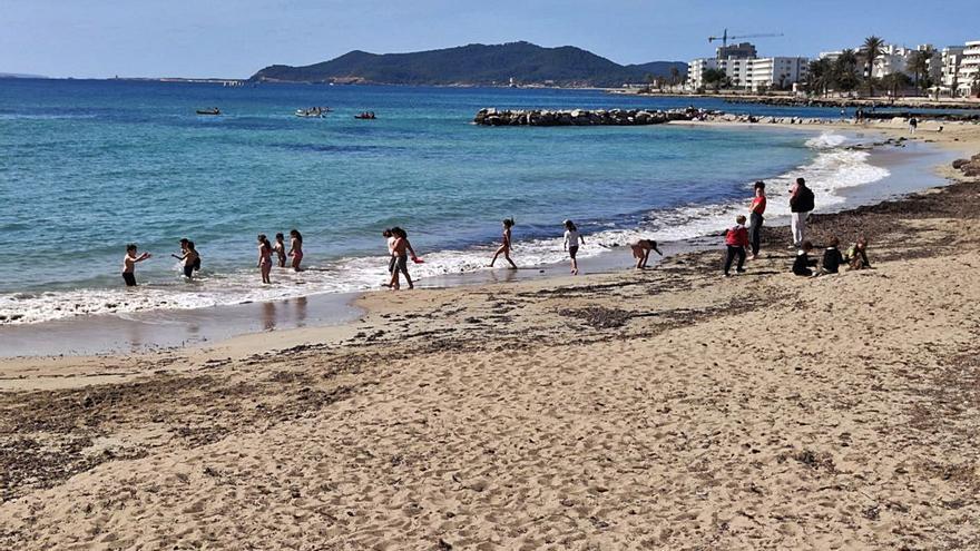 Actividades en la playa para los escolares de Vila