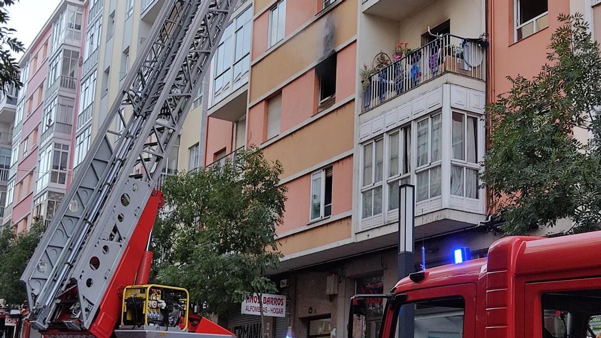 El incendio ocurrió en la segunda planta del edificio