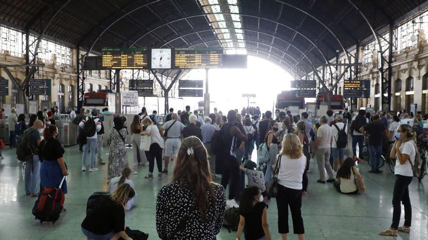 Las lluvias obligan a suspender algunos trenes con destino a Gandia