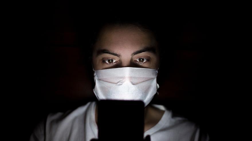 Las olas de la infodemia: del estupor al cansancio por las noticias sobre el coronavirus