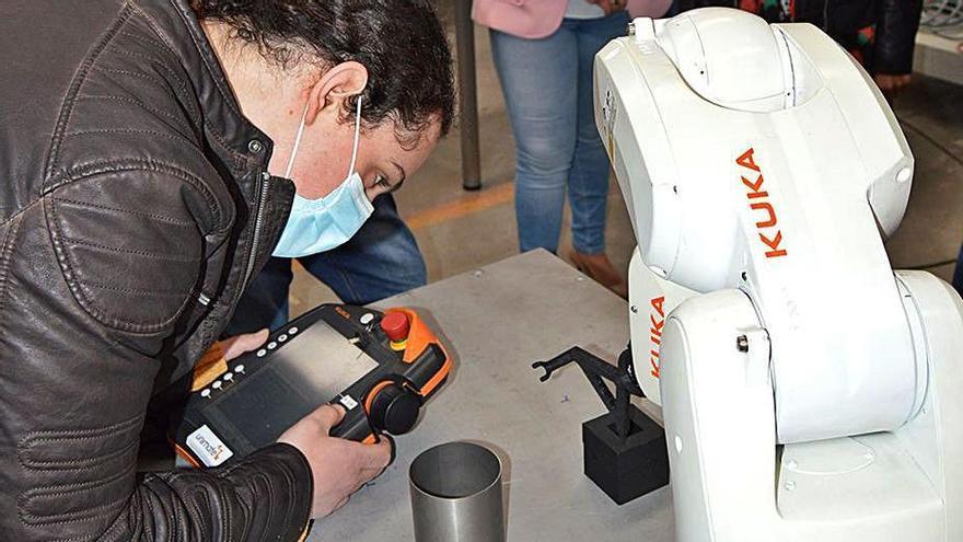 Mos combate el desempleo con robótica industrial