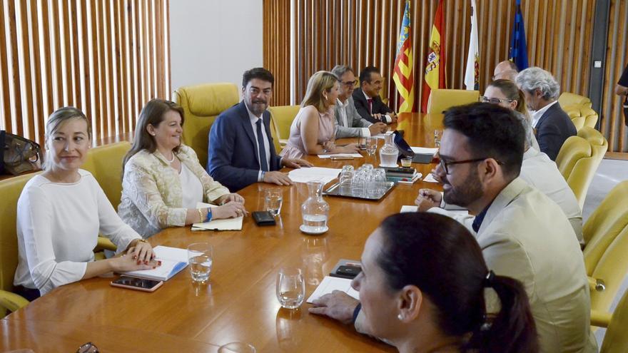 El Ayuntamiento de Alicante contrata a 47 profesionales desempleados de larga duración