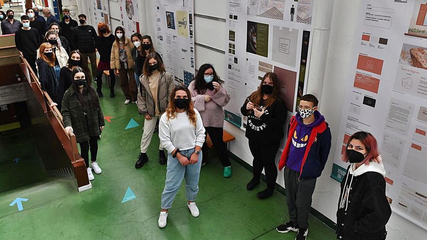Exposición de proyectos de alumnos en la Escuela Picasso