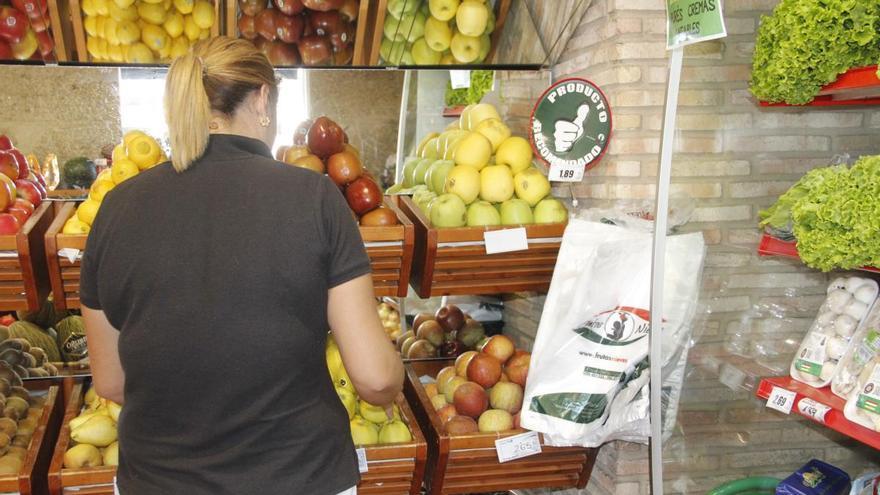 """Frutas Nieves regala """"packs"""" de sus purés de frutas a clientes que lleven el periódico del día"""