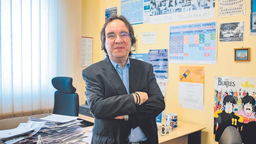 """Dr. Amós García Rojas: """"La EMA tiene que ser clara, contundente  y creíble sobre la vacuna de AstraZeneca"""""""