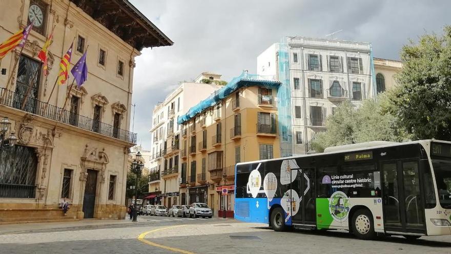 Palmas Stadtbusse beschränken die Passagierzahl