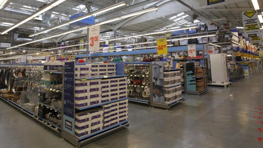 Makro evalúa vender su centro en Vara de Quart