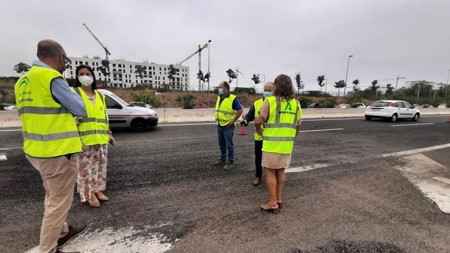 La Junta invierte más de 70.400 euros para asfaltar un tramo de la carretera A 431 y la Ronda Oeste