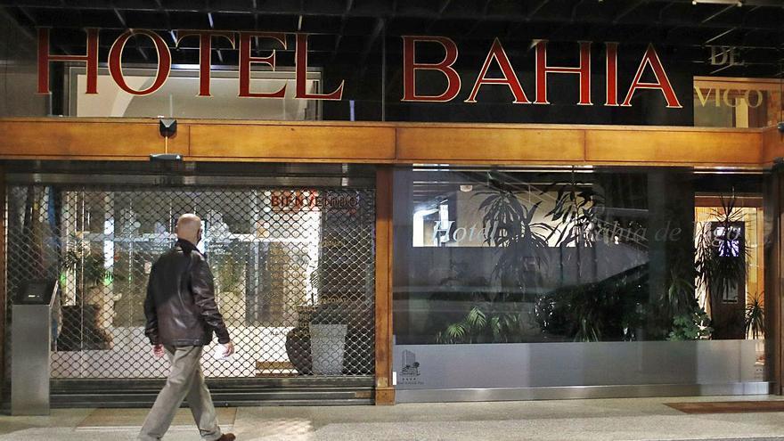 Centenares de hosteleros recurren de nuevo a los ERTE para evitar el cese de sus negocios