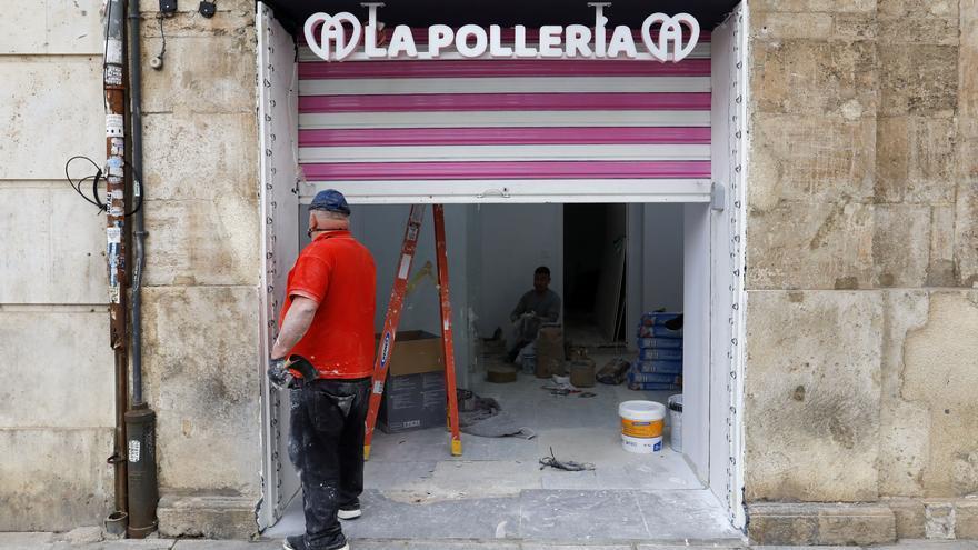 'La Pollería' llega a València: los gofres con forma fálica aterrizan en el centro