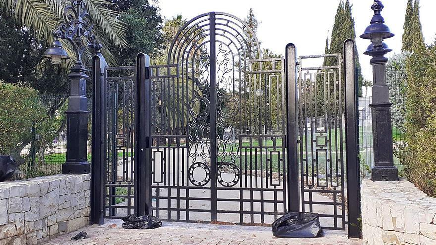 Alzira cerrará el parque por las noches15 años después de instalar las puertas