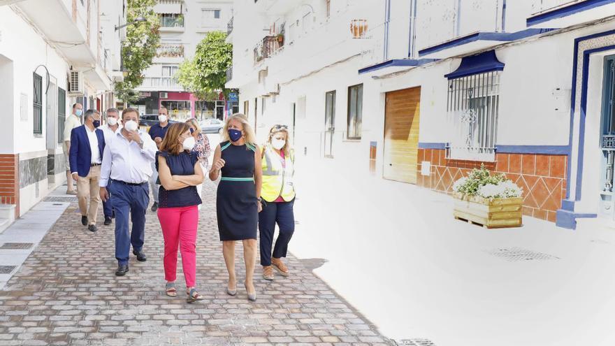 Marbella finaliza la reforma integral de cuatro calles de la zona de Los Catalanes de San Pedro