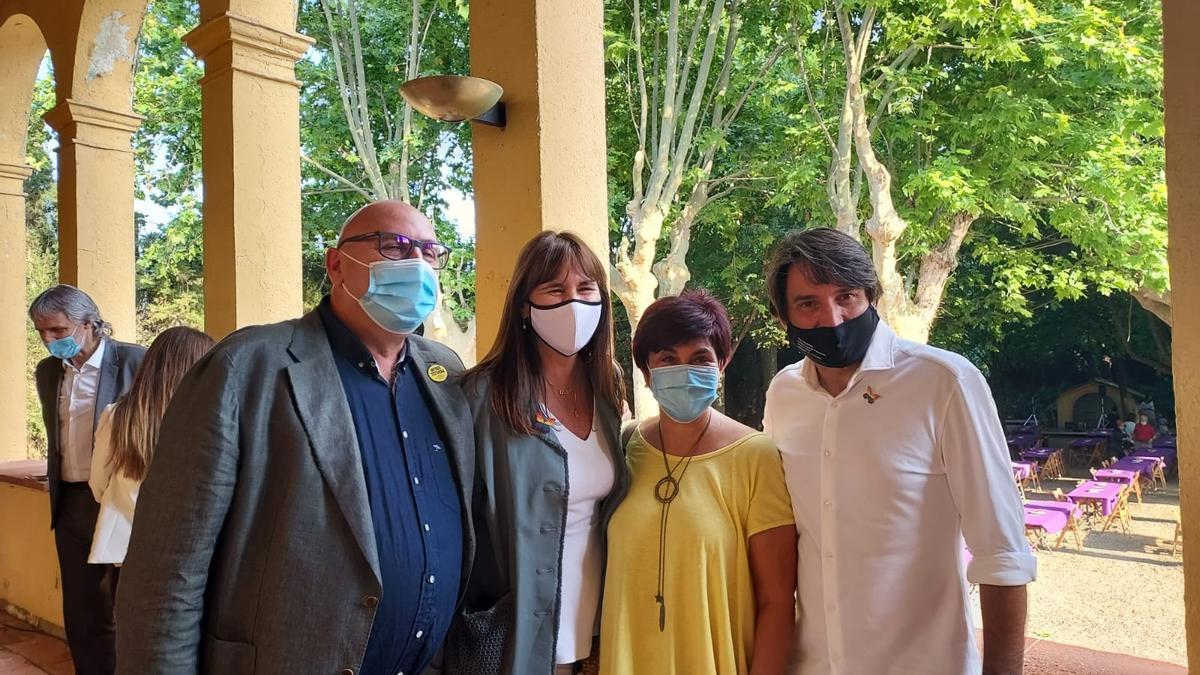 Ferran Roquer, Laura Borràs, Montse Mindan i Francesc de Dalmases, a Cal Governador de Borrassà