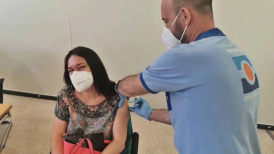Salud empieza la campaña de vacunación masiva en el hospital de Benalmádena