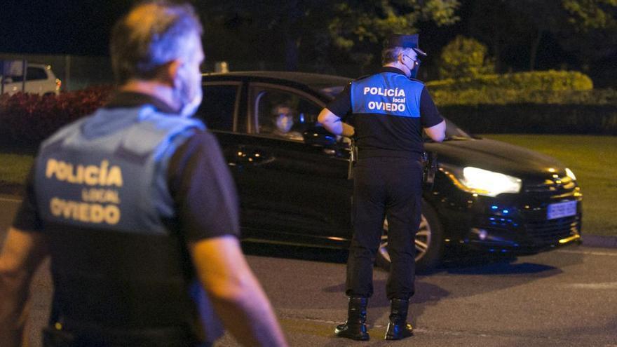 Salud somete a 210 policías locales de Oviedo a pruebas PCR tras dar positivo un agente