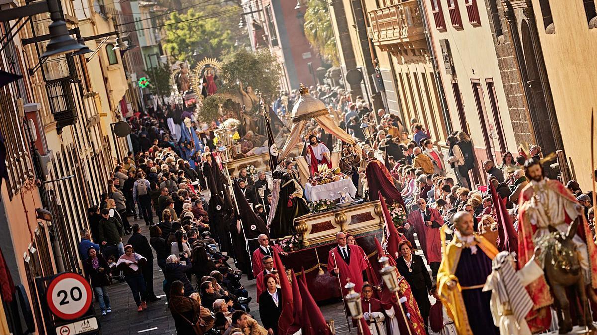 Imagen de archivo de la Procesión Magna de la Semana Santa de La Laguna.