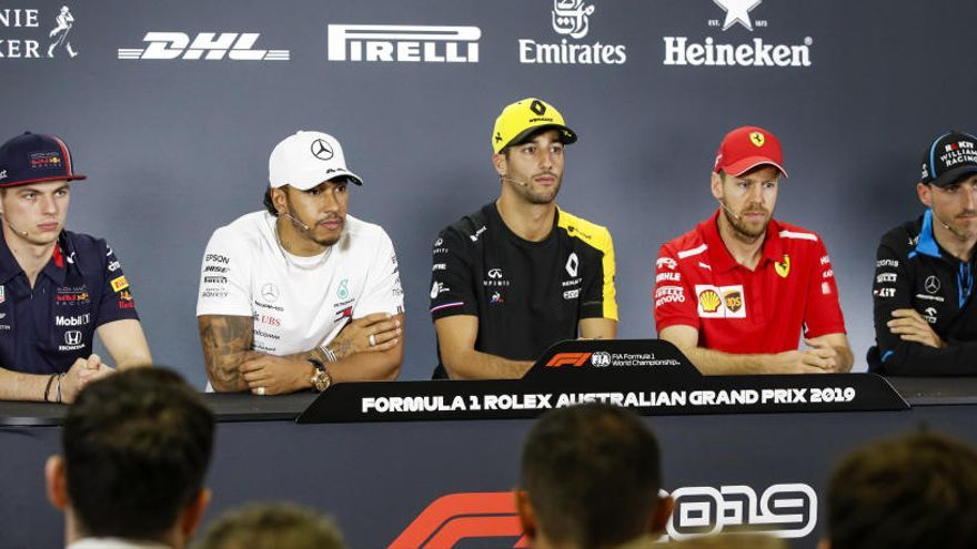 Ferrari amenaza el camino a la leyenda de Hamilton
