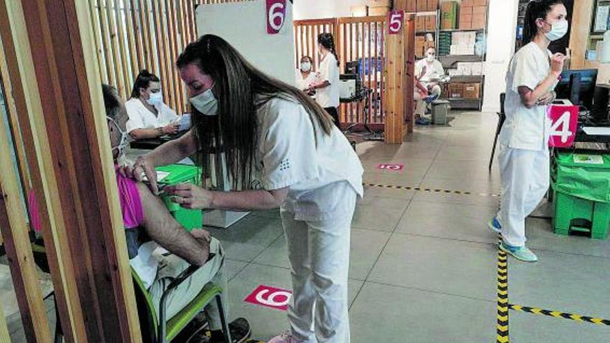 Más de 3.500 residentes en Ibiza y Formentera se niegan a recibir la vacuna contra el covid