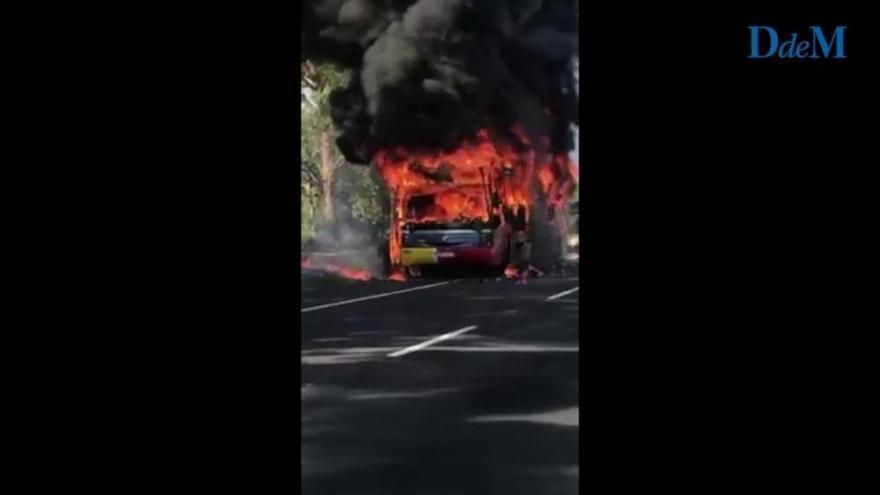 Bus bei Port de Pollença ausgebrannt