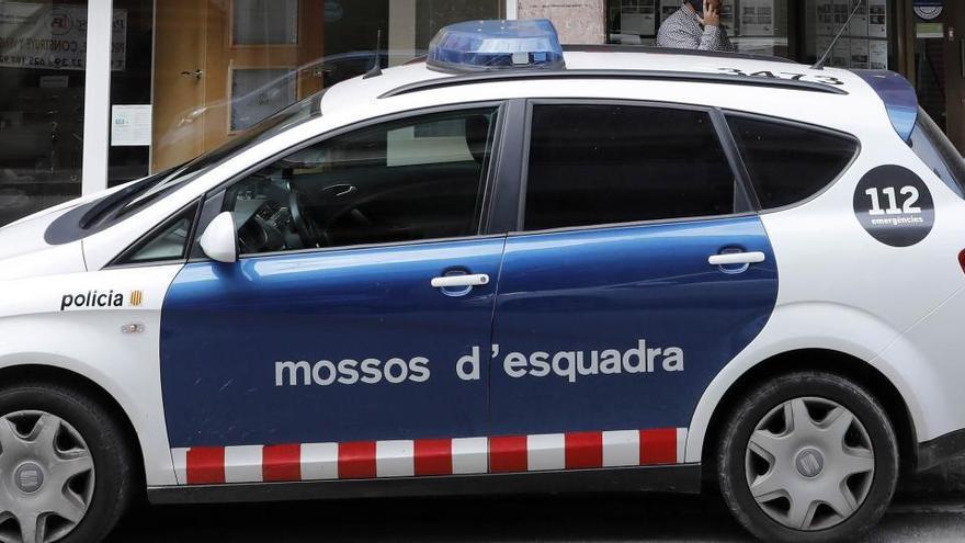 Investigan la muerte violenta de una mujer en su casa en Barcelona