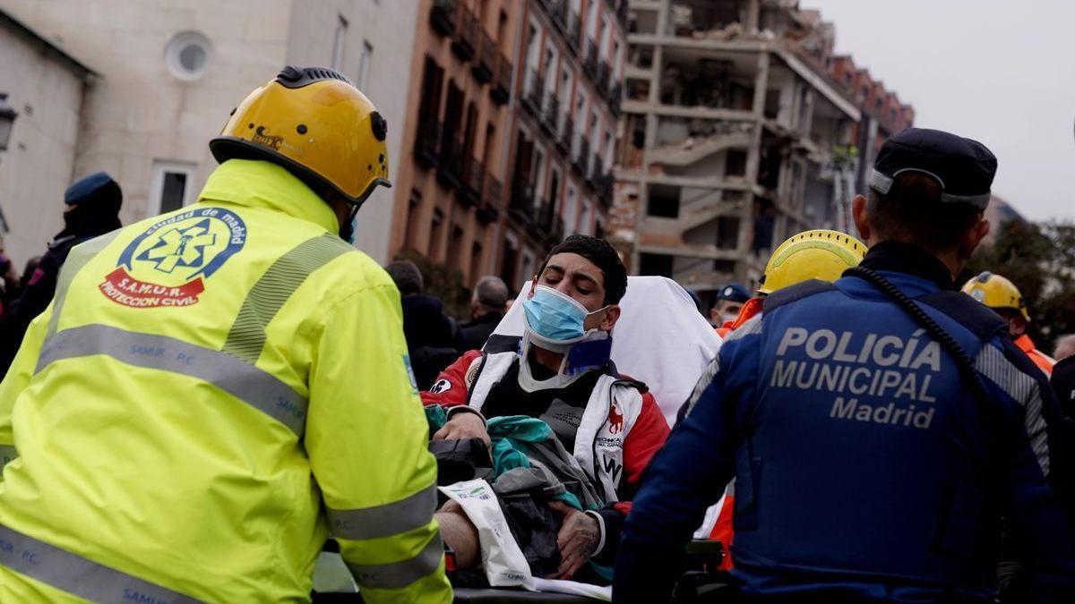 """Testigos del derrumbe de Madrid: """"Ha sido brutal, tras una explosión terrible el edificio ya estaba destrozado"""""""