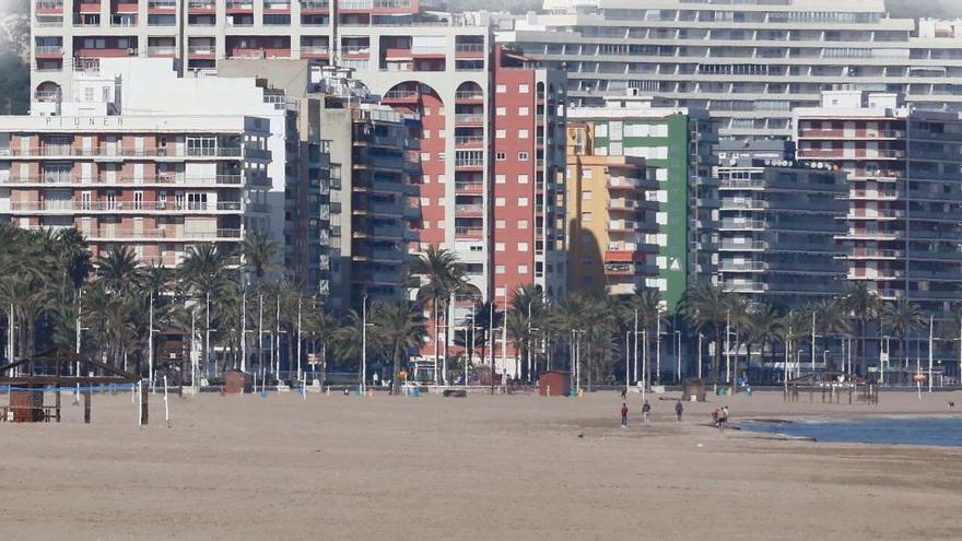 Las reservas de apartamentos turísticos repuntan en Cullera tras frenarse el aluvión de cancelaciones