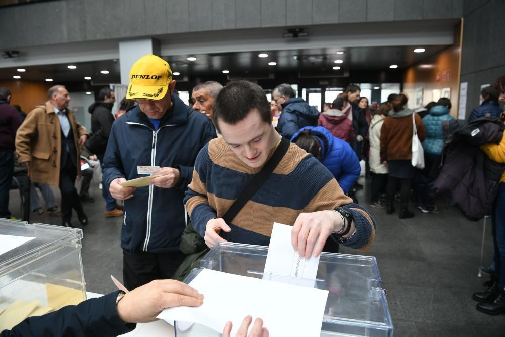 Podrán votar por primera vez en las próximas elecciones del 28 de abril y 26 mayo.