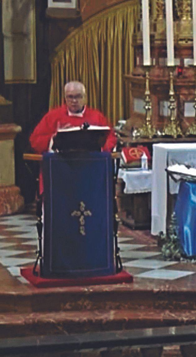 El cura negacionista contagiado ofició una misa sin mascarilla en Santa Faz en enero