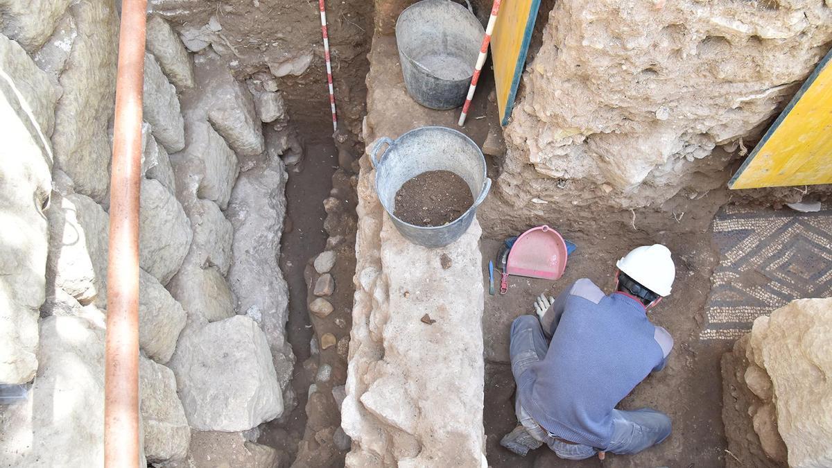 La Mezquita-Catedral se somete a un análisis arqueológico que durará cuatro años.