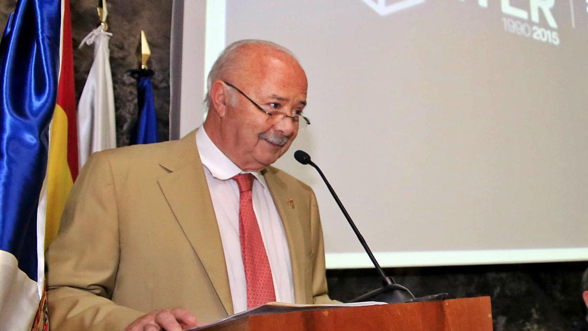 Ricardo Melchior (CC), expresidente del Cabildo de Tenerife. Ricardo Melchior era presidente del Cabildo de Tenerife, el ITER y el NAP (CC) cuando se produjo la operación de absorción de la deuda privada del NAP que la Fiscalía ve irregular. Hoy está retirado de la política.