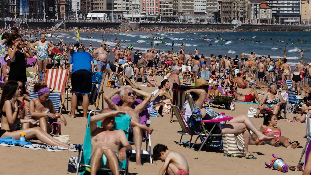 Gran afluencia de bañistas en San Lorenzo