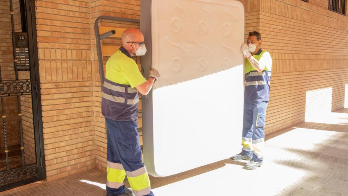 El servicio de recogida de muebles y trastos viejos de Picassent, a pleno rendimiento