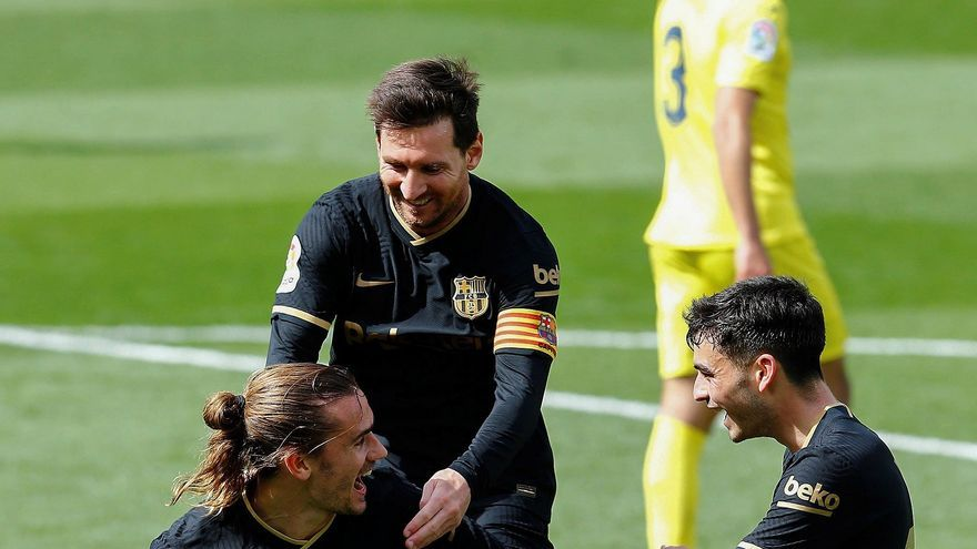 El Barcelona refuerza su candidatura al título en Villarreal