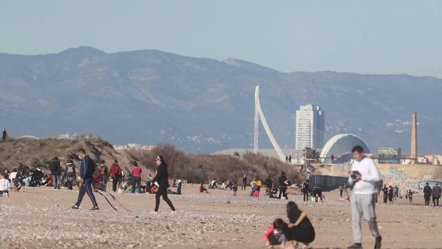 A los valencianos ya les preocupa más no tener vida social que el paro