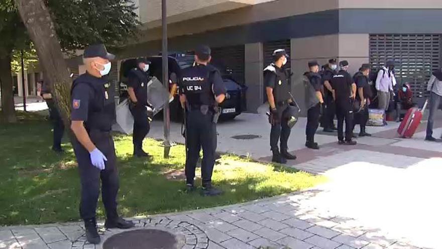 Se escapan 230 temporeros del recinto ferial de Albacete donde llevaban 15 días confinados
