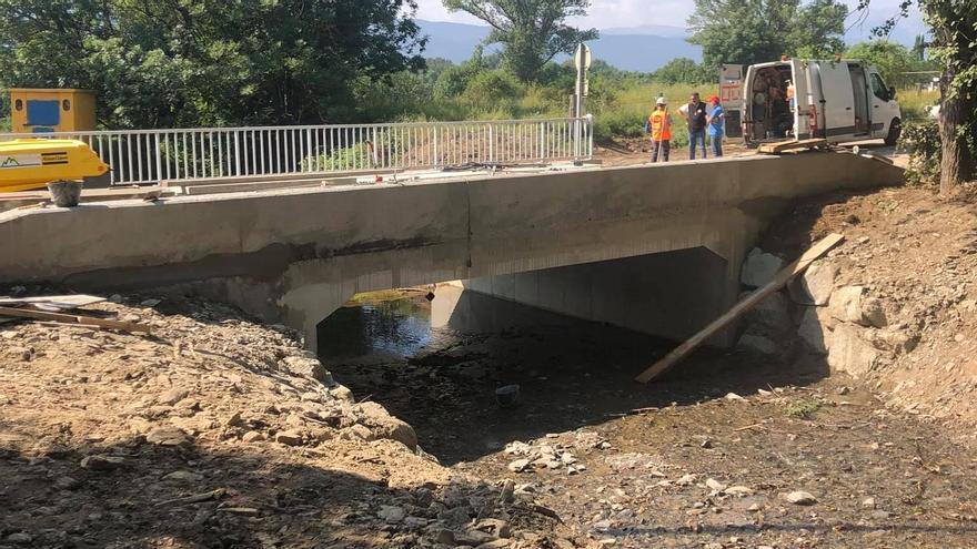 França acaba el pont d'Estavar i el reobre vuit dies abans del previst