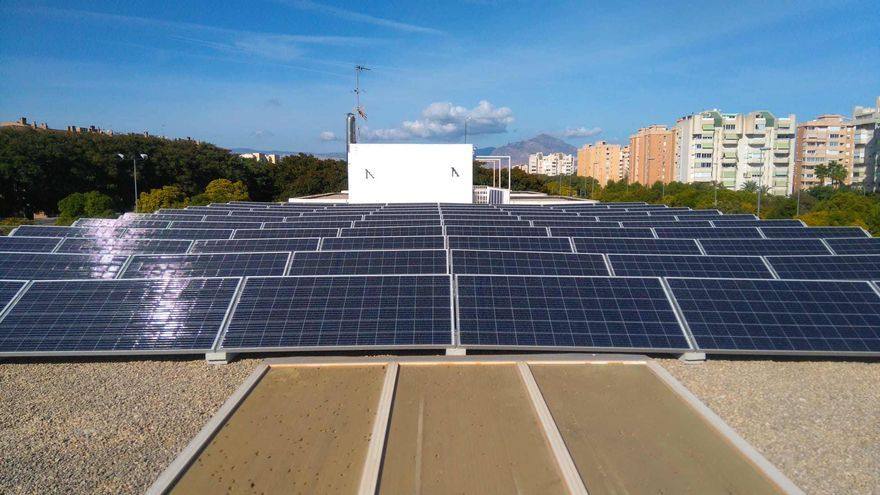 El Ayuntamiento cambia la mitad de las luminarias de Alicante para ahorrar un millón en la factura energética