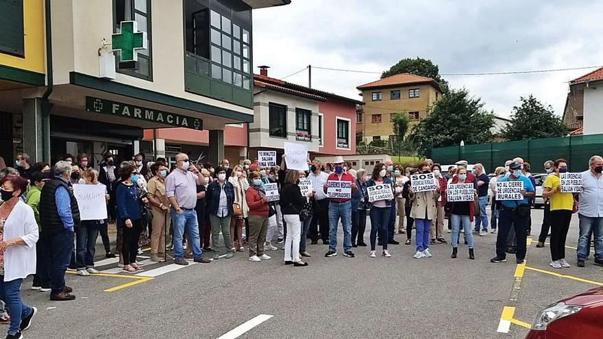 Las asociaciones de Candamo exigen a Salud retomar las urgencias médicas