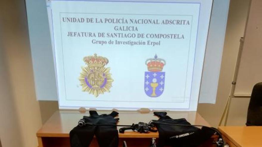 Detenido un furtivo de A Coruña con un torpedo submarino para extraer percebe