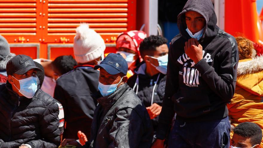 Rescatan a 30 migrantes al sur de Gran Canaria