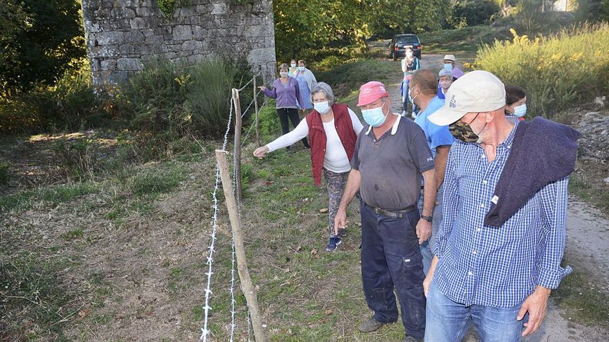 El Concello obliga a retirar el alambre de espino en la finca del Pazo de Gondar