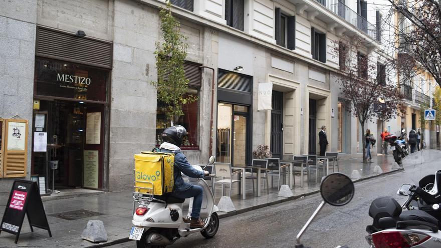 El Gobierno y agentes sociales llegan a un acuerdo sobre la ley de 'riders'