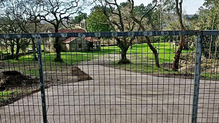 Presentan una queja en la Valedora por la construcción de una rampa en San Amaro